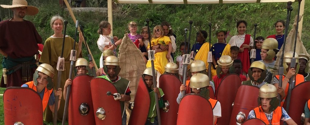 Matties van Matilo kids dressed as roman soldiers
